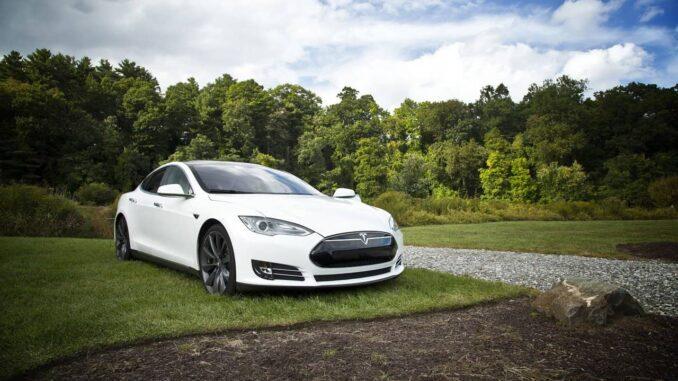 Ökobilanz Tesla E-Fahrzeug